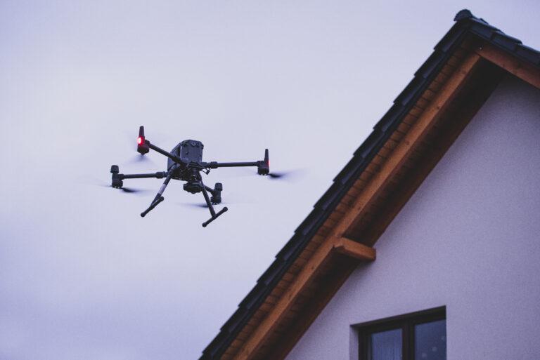 Zalety inspekcji dronem